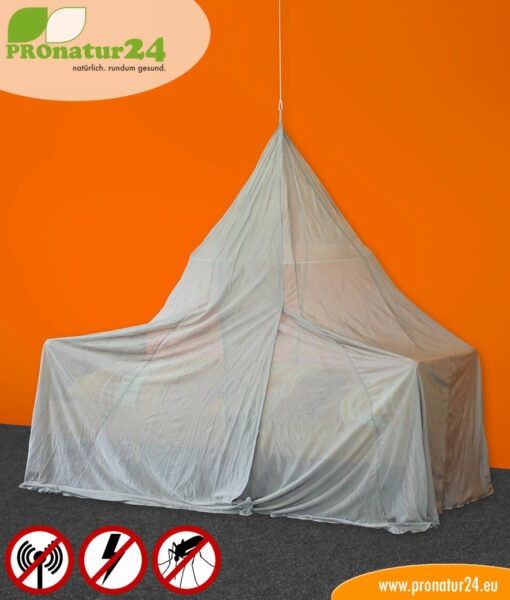 Canopy for pyramid bed